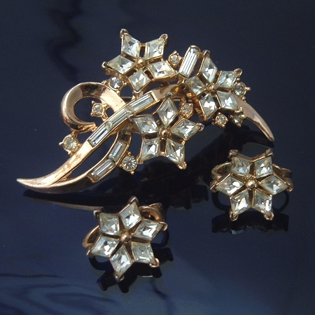 Trifari Twinkle Star Brooch and Earrings Set, Christmas 1952